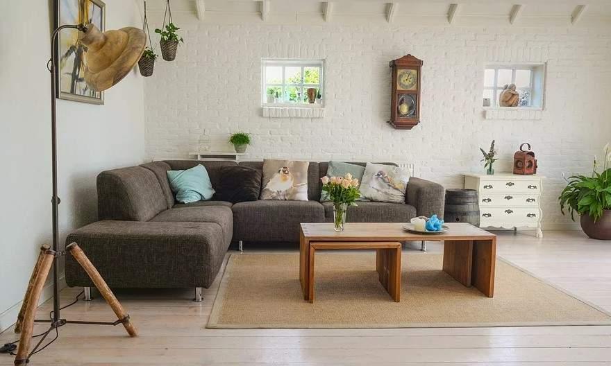 ъглов диван в хола