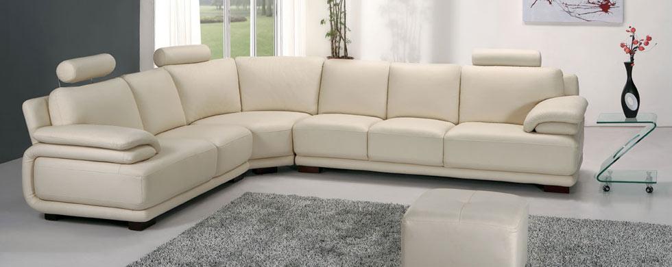 ъглови мебели за тесен хол или дневна